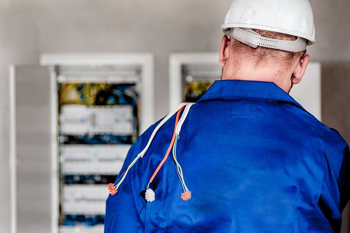 electrician-1080586__480
